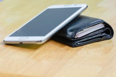 Mobil s peněženkou